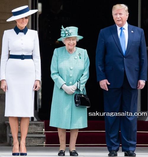 にこやかなエリザベス女王とトランプ大統領夫妻