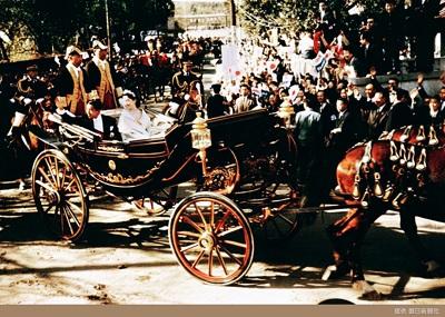 上皇上皇后ご成婚パレード