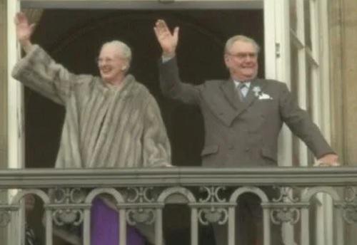 デンマークマルグレーテ女王とヘンリック王配