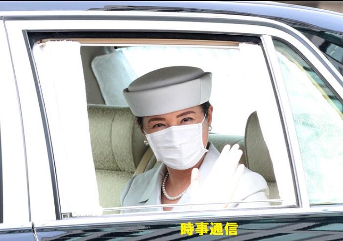 香淳皇后二十年式年祭の儀のため、皇居に入られる皇后さま