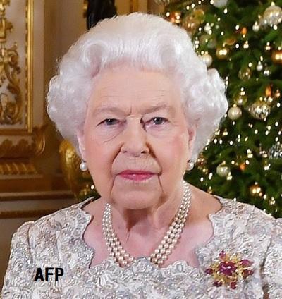 エリザベス女王が毎日召し上がっているもの | ぺんぺん草の桜の花が ...